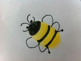 可爱小蜜蜂手指画图片教程